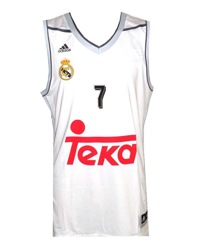 ... Camiseta Luka Doncic  7  Real Madrid Basket 2015-2016 (blanco gris) f91b086030b9e