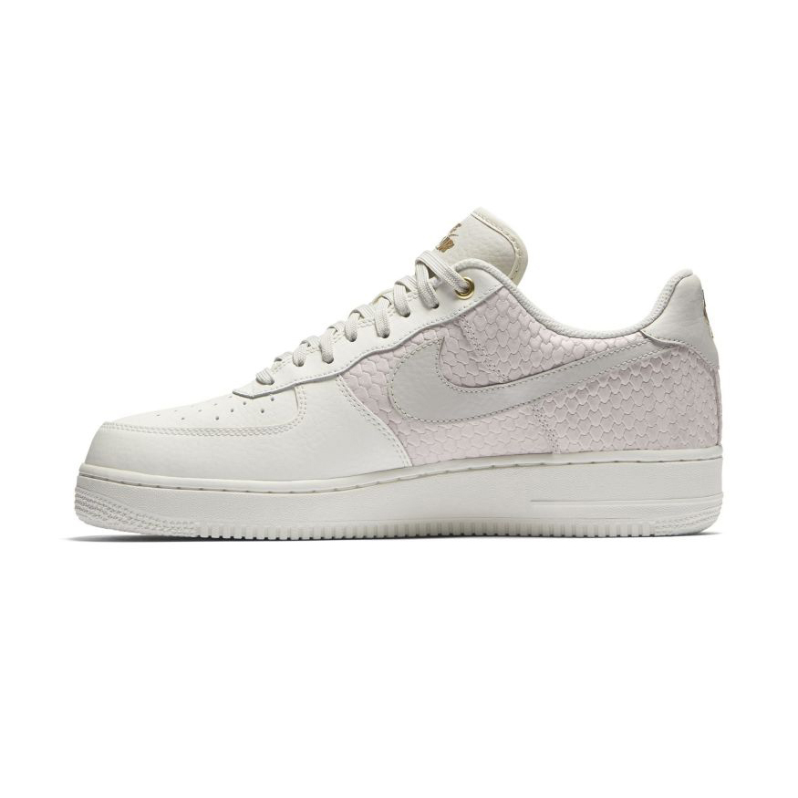 Tênis Nike Air Force 1 '07 LV8 Suede Masculino | Tênis é na